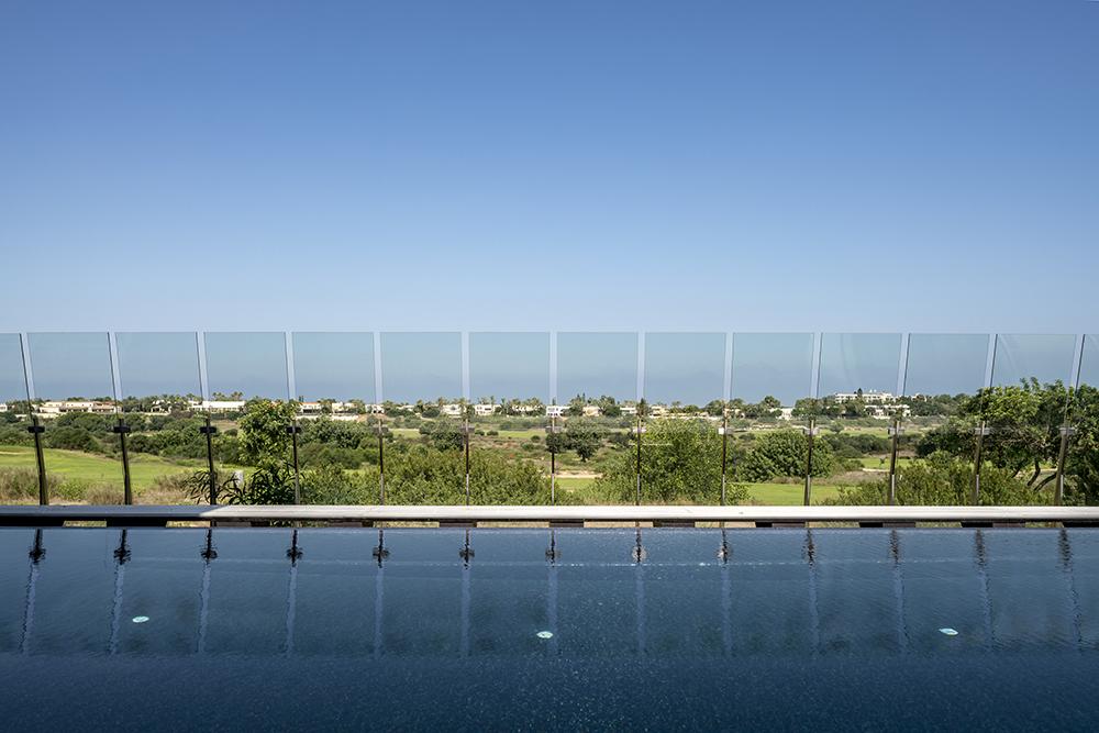 בריכת שחייה ביתית בבית פרטי קיסריה